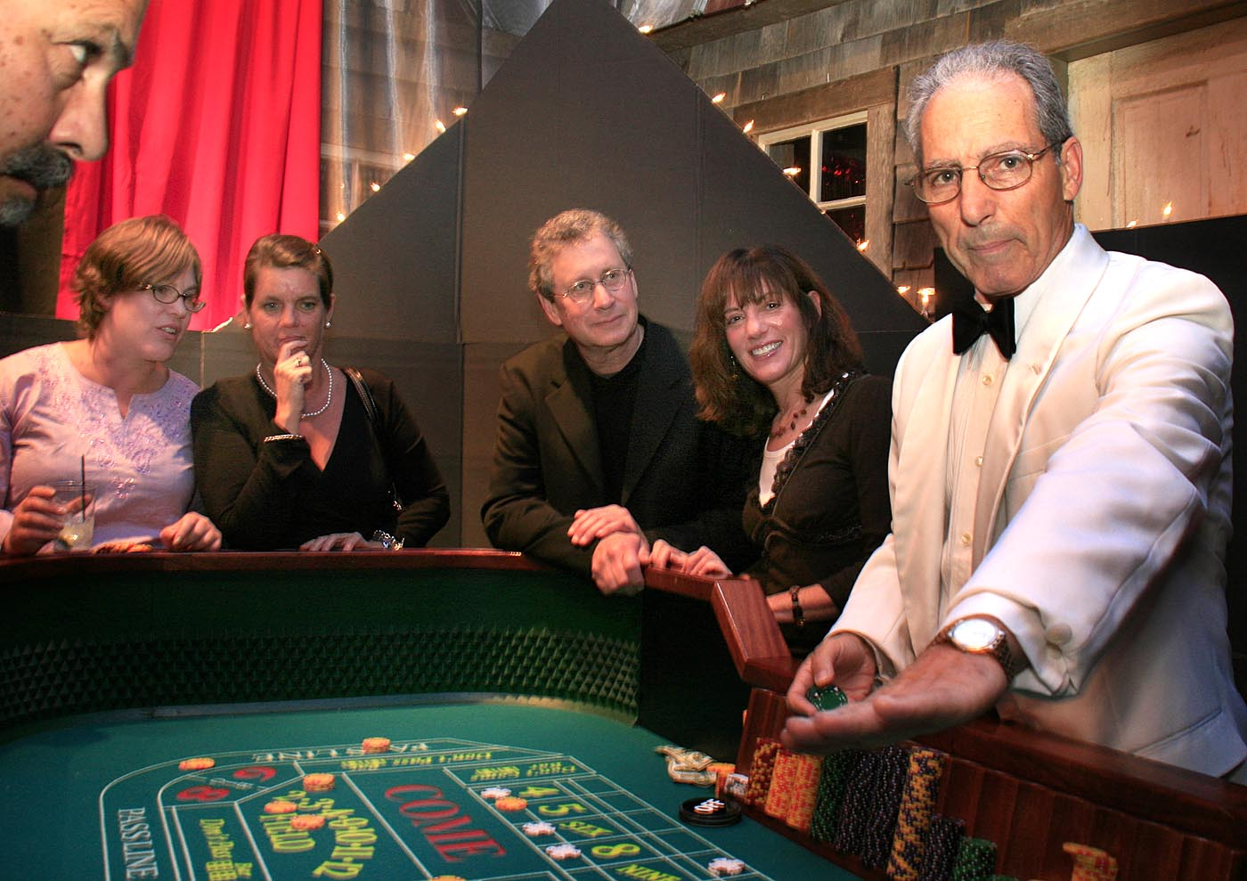 Casino night on marthas vineyard orleans hotels casino
