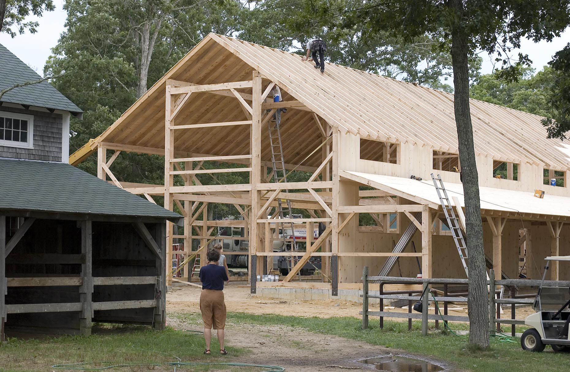 Amish Built Barns : Amish barn builders raise the roof for agricultural