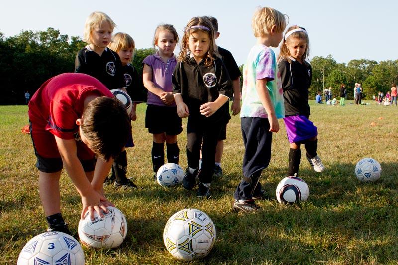 The Vineyard Gazette Martha S Vineyard News Look Ma No Hands Youth Soccer Unites