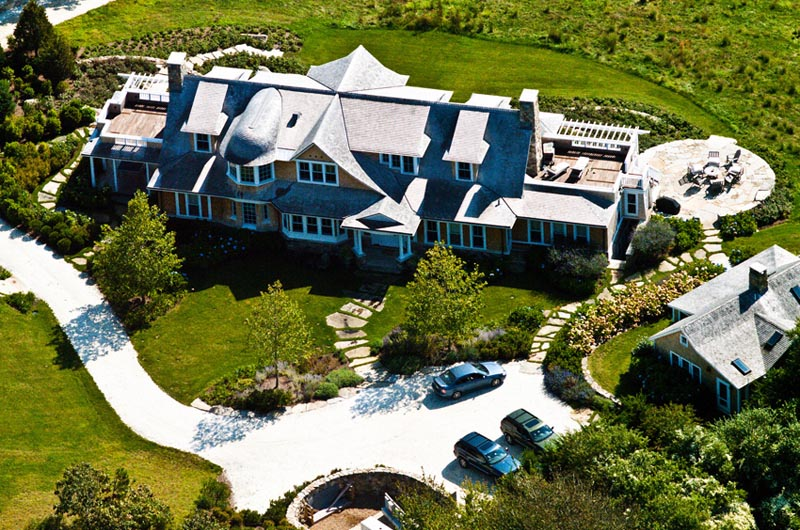 The Vineyard Gazette Martha 39 S Vineyard News Big House