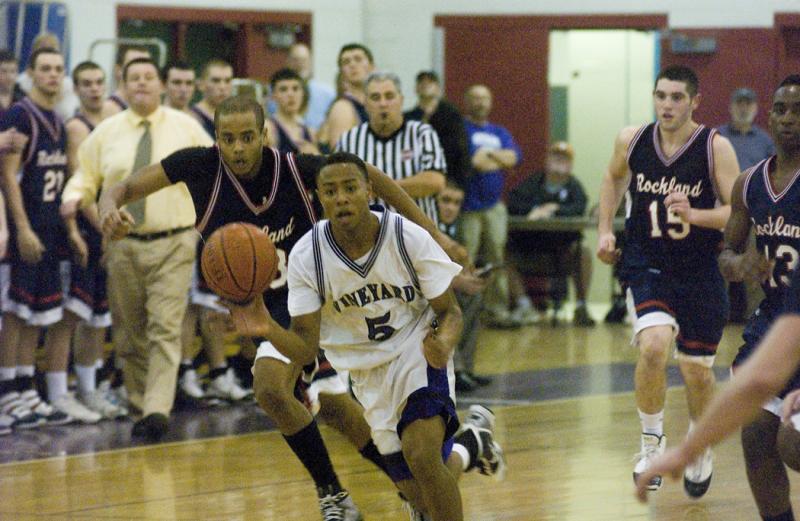 randall jette playing basketball
