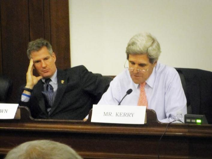 Scott Scott Brown John Kerry Microphone
