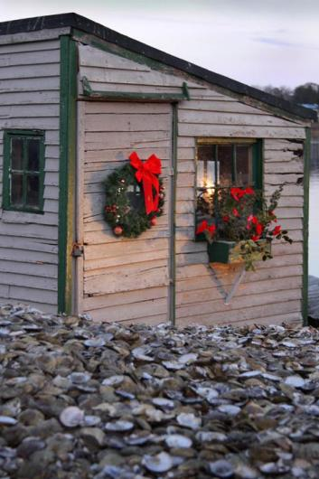 scallop shell shack Christmas wreath