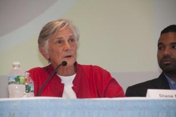 Diane Ravitch microphone