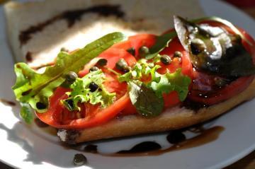 sandwich tomatoes