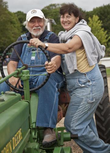 tractor john deere farmer parade