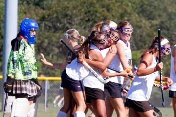 Field Hockey Hug