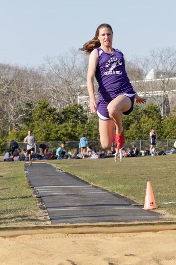 Maggie Lindland long jump