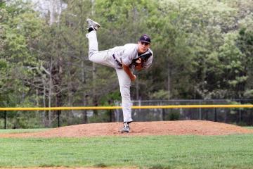 Will Stewart pitching