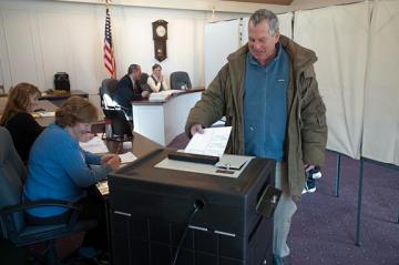 Charlie Blair casts ballot