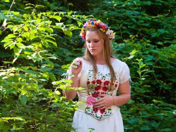 Juliet (Katharine Reid)