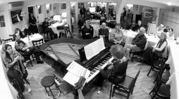 piano performance dee stevens