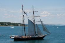 Topsail schooner Shenandoah sets sail