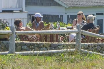 President Obama On Martha S Vineyard 2016 The Vineyard Gazette